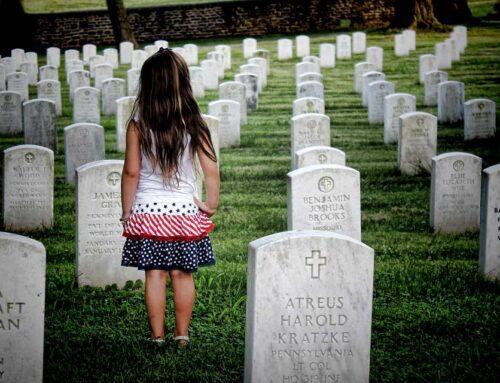 ¿DEBO HABLAR CON MI HIJO/A SOBRE LA MUERTE?